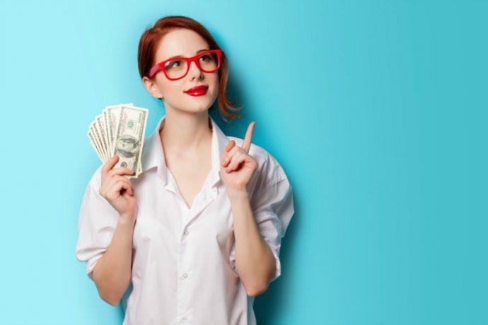 Gagner de l'argent au collège : image d'une fille